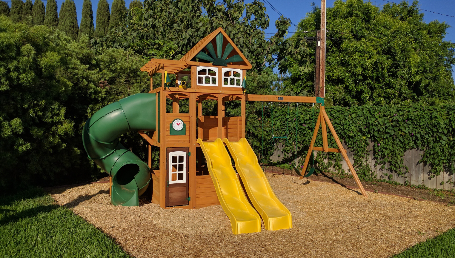 Cedar Summit Spring Valley Deluxe Swing Set
